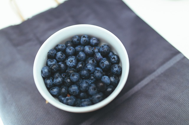 Swallow, My Sunshine: Blueberries in a bowl
