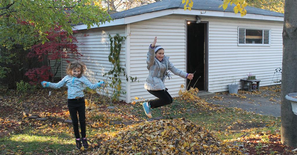 girls-jump